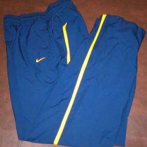 Nike Fit Storm Athletic Sport Shorts (M)